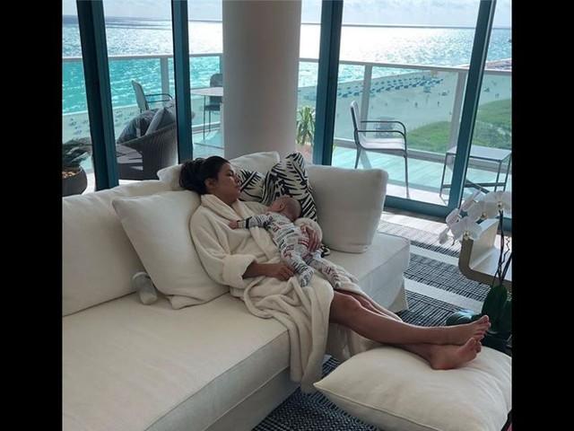 Eva Longoria : Endormie avec Santiago, la craquante photo