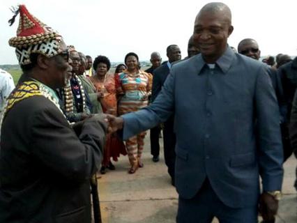 RDC. Emmanuel Shadary Ramazani, surnommé «Coup pour coup» et «favori du village»