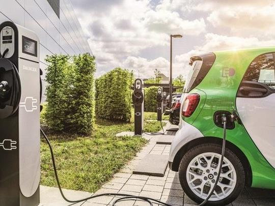 Le pétrolier Total annonce le déploiement de 20 000 points de recharge pour voiture électrique