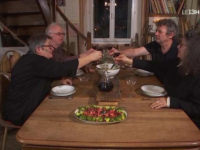Quatre à table : un repas typique du XVIIIe siècle