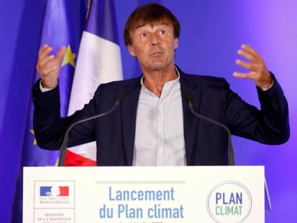 Hulot annonce la fin des voitures essence et diesel en France en 2040