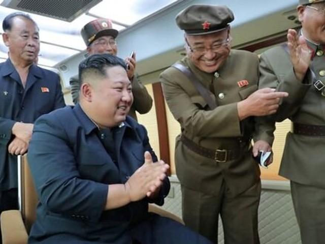 """Kim Jong-un a supervisé l'essai d'une """"nouvelle arme"""" nord-coréenne"""