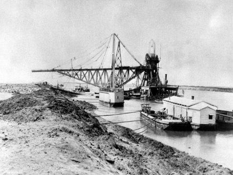 En 150 ans, le canal de Suez n'a cessé de s'agrandir