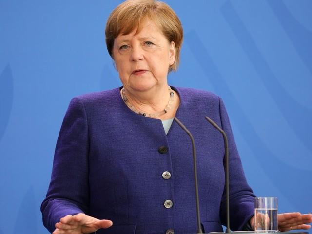 """Merkel n'ira pas au G7 de Trump """"physiquement"""", contrairement à Macron"""