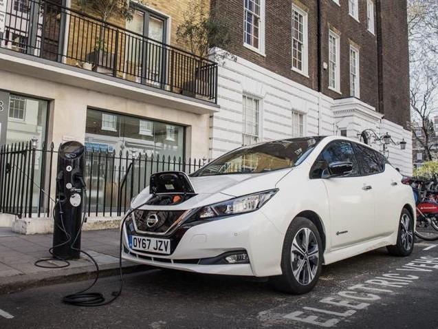 Royaume-Uni : 1 voiture sur 10 vendue est désormais électrique ou hybride