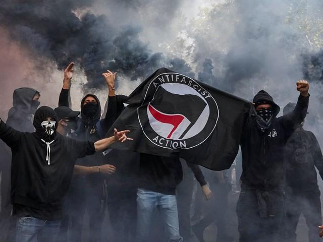 """Amnesty International dénonce """"l'acharnement judiciaire"""" contre les manifestants en France"""