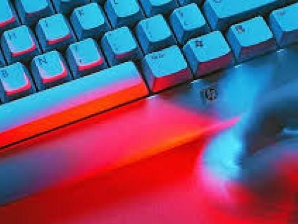 Lutte contre la haine sur internet : les commissions du Sénat apportent de nombreuses modifications au texte