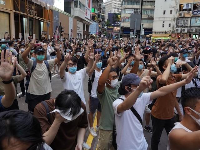 """Nouvelle loi sur la sécurité nationale : """"Pékin espère absorber Hong Kong et en faire de même, après, avec Taiwan"""""""