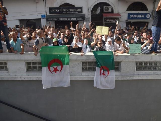 Les infos de 6h30 - Algérie : la jeunesse rejette massivement la présidentielle