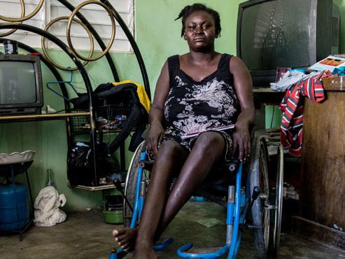 """""""J'ai parfois souhaité mourir"""": dix ans après le séisme en Haïti, des survivants oubliés de tous"""