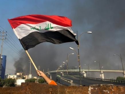 """Dénoncé par la rue irakienne, l'Iran """"bétonne"""" son influence au sein du pouvoir"""