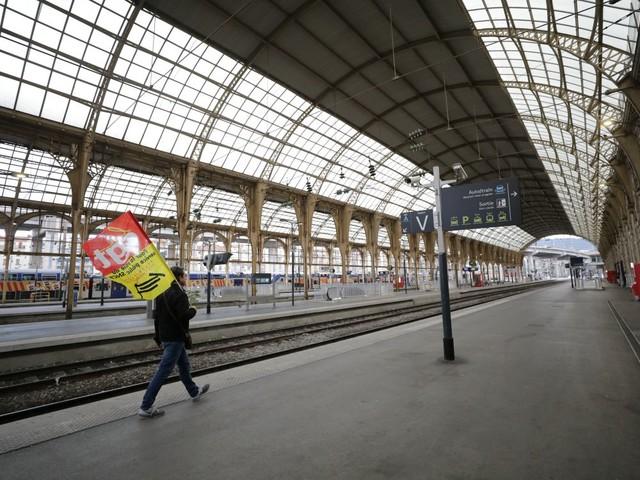SNCF: le taux de grévistes tombe à son plus bas niveau