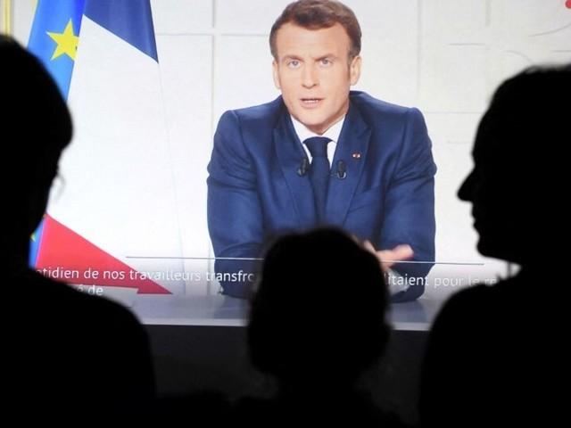 Covid-19: le discours et les annonces de Macron face au variant Delta