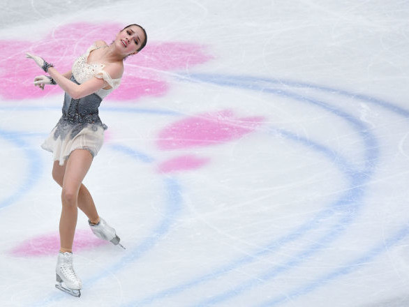 La championne olympique de patinage artistique Alina Zagitova suspend sa carrière