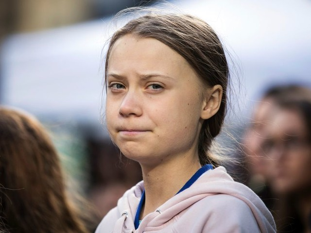 Pour Halloween, Greta Thunberg se moque de ses détracteurs avec son déguisement
