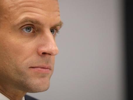 """Les """"gilets jaunes"""", un tournant dans le quinquennat Macron"""