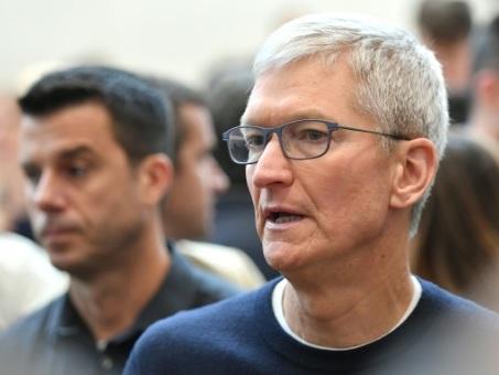 Hong Kong: le PDG d'Apple reçu à Pékin après une polémique
