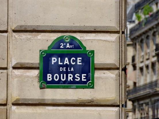 La Bourse de Paris recule, freinée par les tensions commerciales (-0,59%)