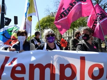 Des milliers de manifestants contre la réforme de l'assurance chômage