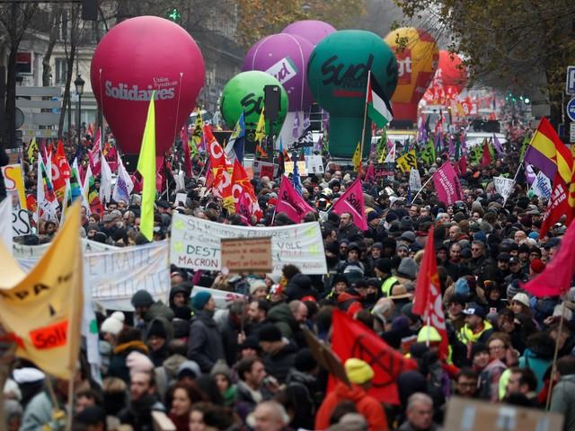 EN DIRECT - Grève : suivez le 6ème jour de mobilisation