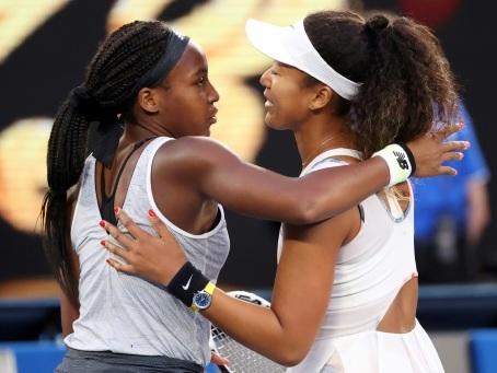 Open d'Australie: Serena Williams et Naomi Osaka tombent de haut