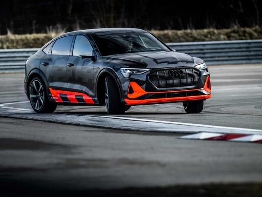 """Salon de Genève 2020 : Audi dévoile les versions """"S"""" des e-Tron et e-Tron Sportback"""