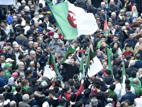 Continuer ou non à manifester? La rue algéroise partagée à l'aube du 45e vendredi