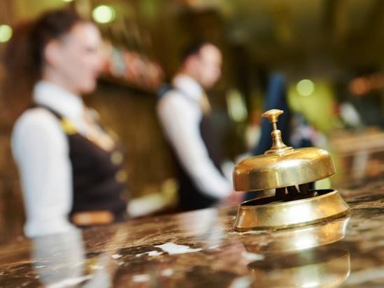 """Octobre, un mois """"dans le rouge"""" pour les hôteliers français"""