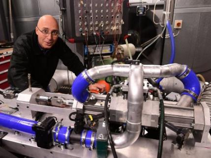 Un moteur à combustion efficient créé par Aquarius Engines se targue de venir concurrencer les moteurs électriques…