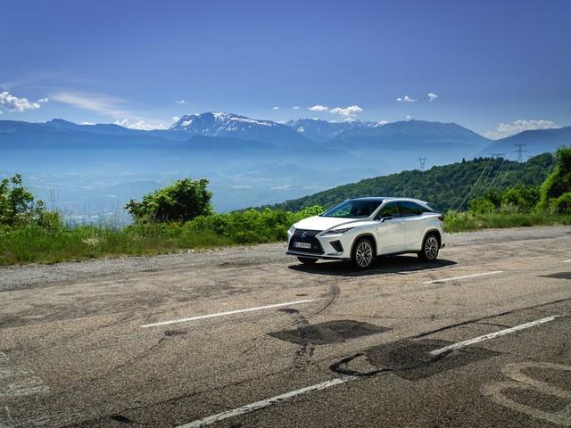 1500 km en Lexus RX 450h: que vaut le pionnier des SUV hybride en 2021?