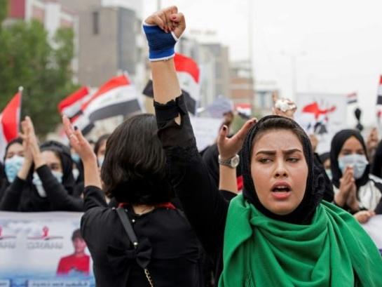 En Irak, les politiciens négocient sous la pression persistante de la rue