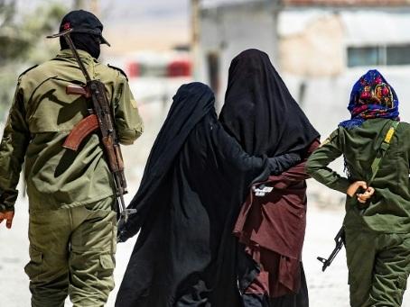 Jihadistes de l'EI détenus dans le nord-est syrien: Ce que l'on sait