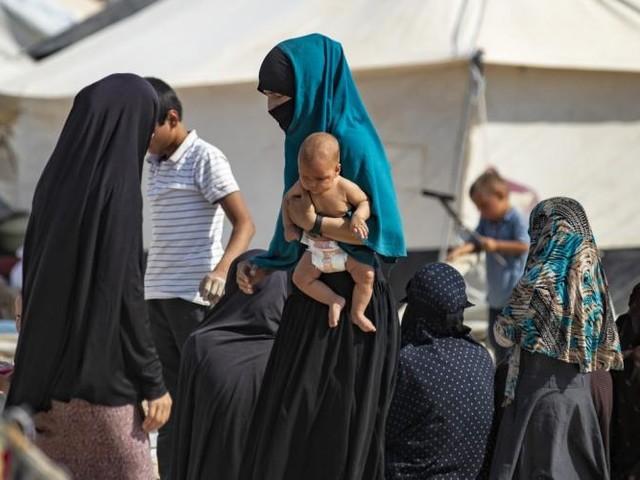 Onze proches de jihadistes renvoyés en France par la Turquie