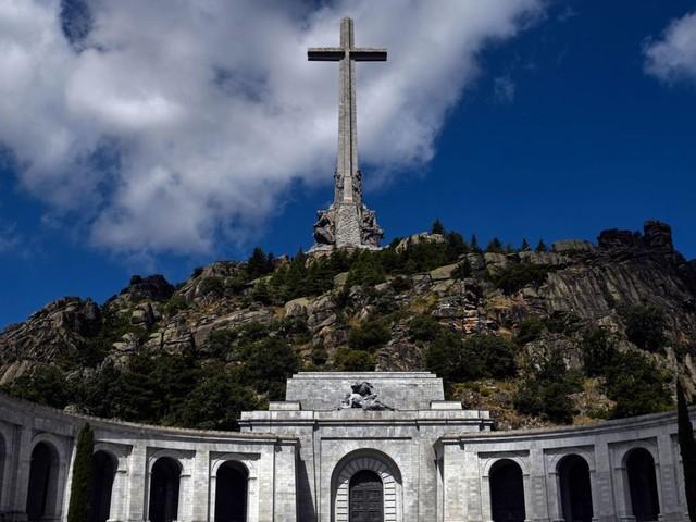 Exhumation du corps de Franco: quel avenir pour le monument érigé à sa gloire?