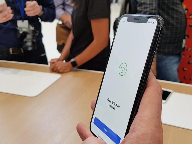 iPhone X va masquer les notifications quand un inconnu regarde l'écran