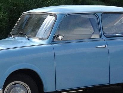 Les Trabants, ces voitures-symboles de l'ex-Allemagne de l'Est