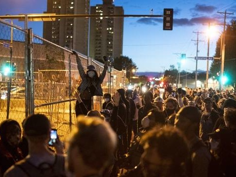 Mort de George Floyd: Les manifestations s'étendent à plusieurs villes des Etats-Unis