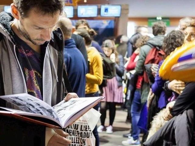 """Le rapport Racine suggère de renforcer les """"politiques publiques"""" pour les auteurs"""