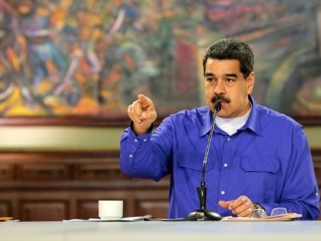 """Venezuela: imbroglio autour de """"contacts"""" entre les Etats-Unis et le camp Maduro"""