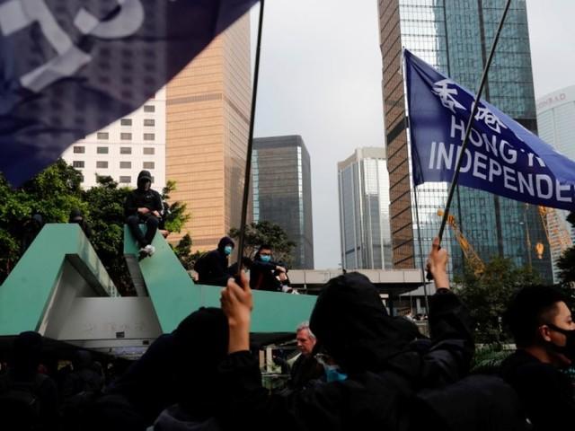 La police anti-émeutes intervient contre des manifestants à Hong Kong