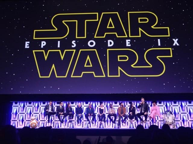 Star Wars 9 : à une semaine de sa sortie aux Etats-Unis, des fans font déjà la queue devant le Chinese Theatre