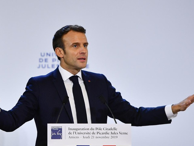 """Macron à l'université d'Amiens : """"Notre pays est trop négatif"""""""