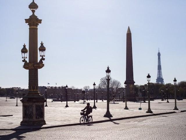 Mais d'où vient la réticence des Français à se confiner ?
