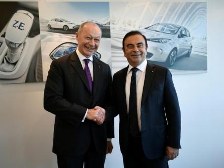 """Renault publie un bénéfice """"record"""" de plus de 5 milliards d'euros"""