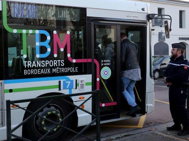 Mérignac (33) : un bus attaqué au mortier d'artifice, un chauffeur blessé