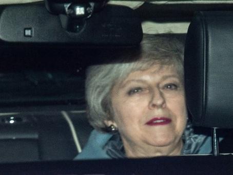 Brexit: May fragilisée dans les discussions avec l'UE par une défaite au Parlement
