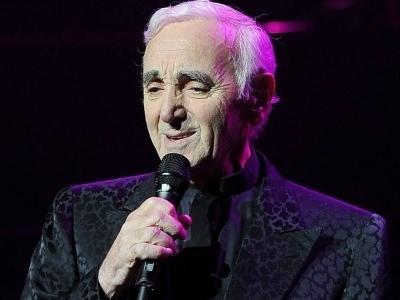 Victime d'une fracture, Charles Aznavour contraint d'annuler ses concerts de l'été