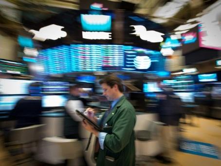 Wall Street encouragée par de solides créations d'emplois