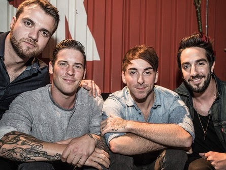 All Time Low : Last Young Renegade (clip live officiel)