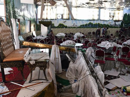 """Un kamikaze de l'organisation terroriste Etat islamique se fait exploser lors d'un mariage en Afghanistan: """"Il y a 63 morts dont des enfants"""""""